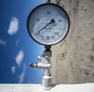 مقياس ضغط النفط