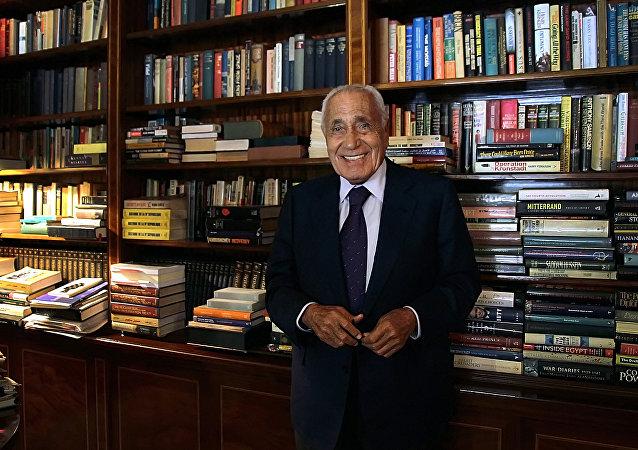 محمد حسنين هيكل أحد أشهر الصحفيين العرب والمصريين في القرن العشرين.