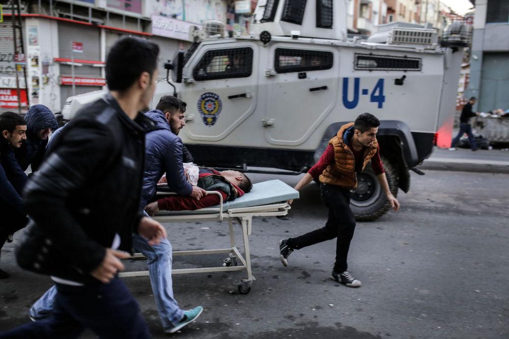 أحد المتظاهرين المتضررين من قبل شرطة إسطنبول