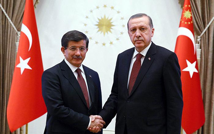 وكالة: الحزب الحاكم في تركيا يسعى إلى طرد رئيس الوزراء السابق