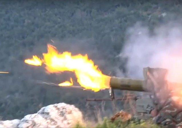 صاروخ كورنيت يدمر سيارة لجبهة النصرة