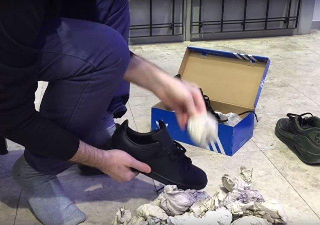 أكره شيء في الأحذية الجديدة