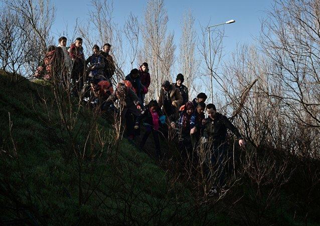 اللاجئون القادمون من اليونان