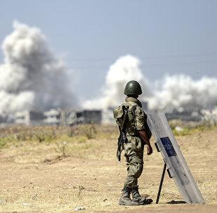 جندي تركي على الحدود السورية التركية
