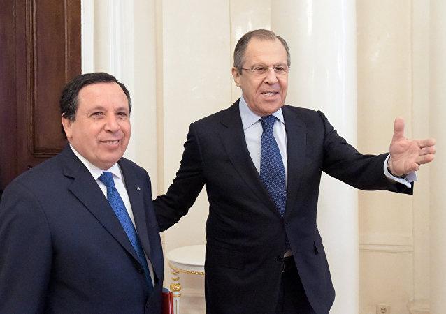 لافروف مع وزير الخارجية التونسي خميس الجهيناوي