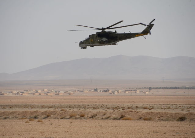 مروحية الجيش العربي السوريى في محيط تمدر بسوريا