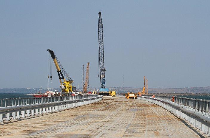 إنشاء جسر فوق مضيق كيرتش