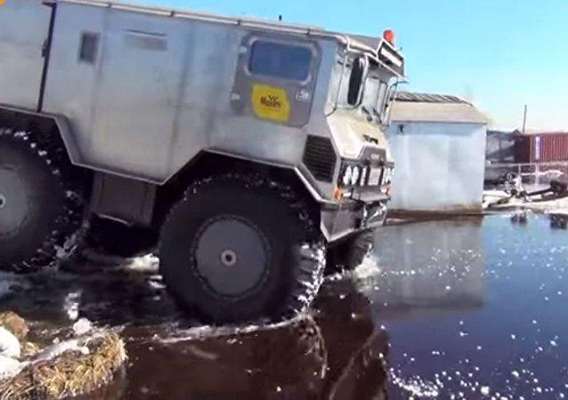 روسيا تصنع سيارة دفع رباعى خارقة للقطب الشمالي