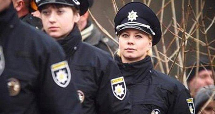 الشبكات الاجتماعية تفضح ضابطة أوكرانية تدير أعمال جنسية
