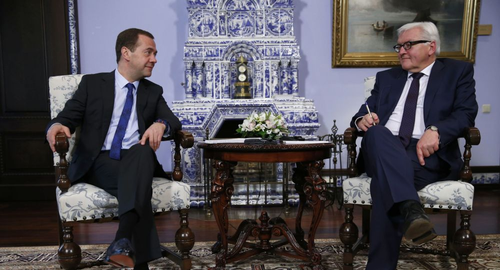 لقاء رئيس الوزراء الروسي دميتري ميدفيدي ووزير الخارجية الألماني فرانك فالتر شتاينماير