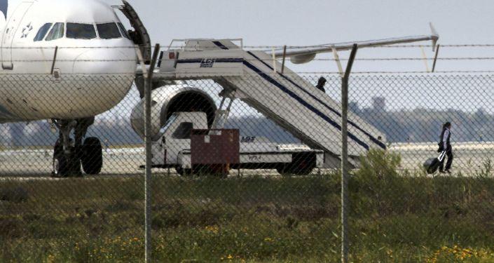 طائرة آيرباص-A-32- المخطوفة في قبرص