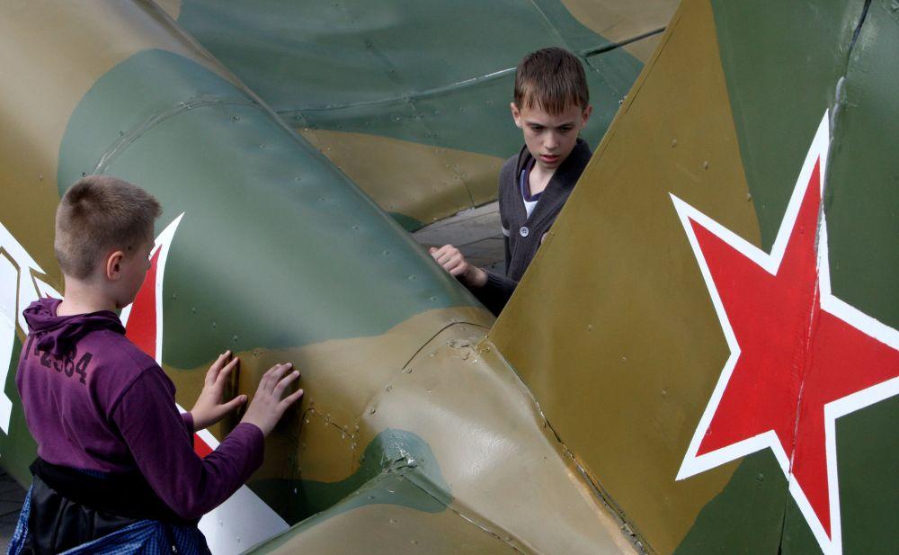 مجسم لطائرة ياك-3 في فلاديفوستوك