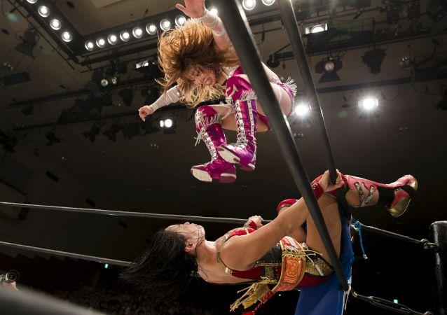 المصارعة النسائية  الحرة  في طوكيو.