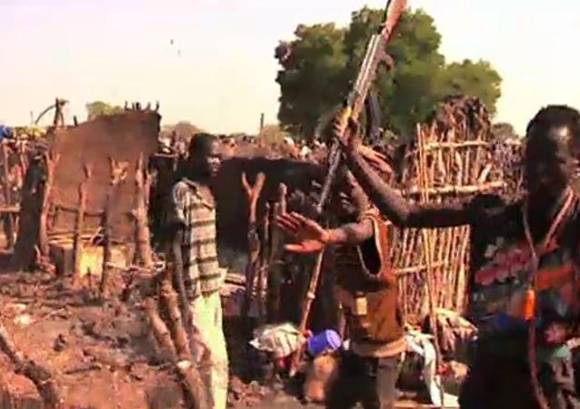مسلحون من قبيلة المورلي