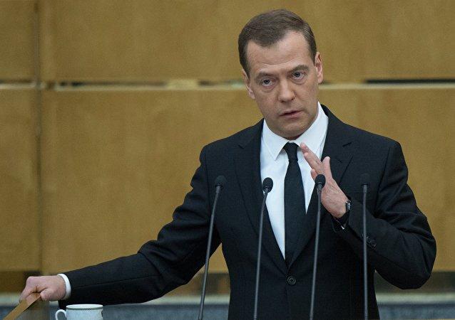 رئيس الحكومة الروسية دميتري ميدفيديف