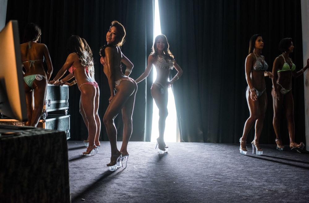 المتسابقات لكمال الأجسام في بطولة ميس بكيني في سيول، 17 أبريل/ نيسان 2016.