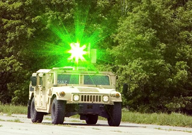 سيارة عسكرية  من نوع هامفي
