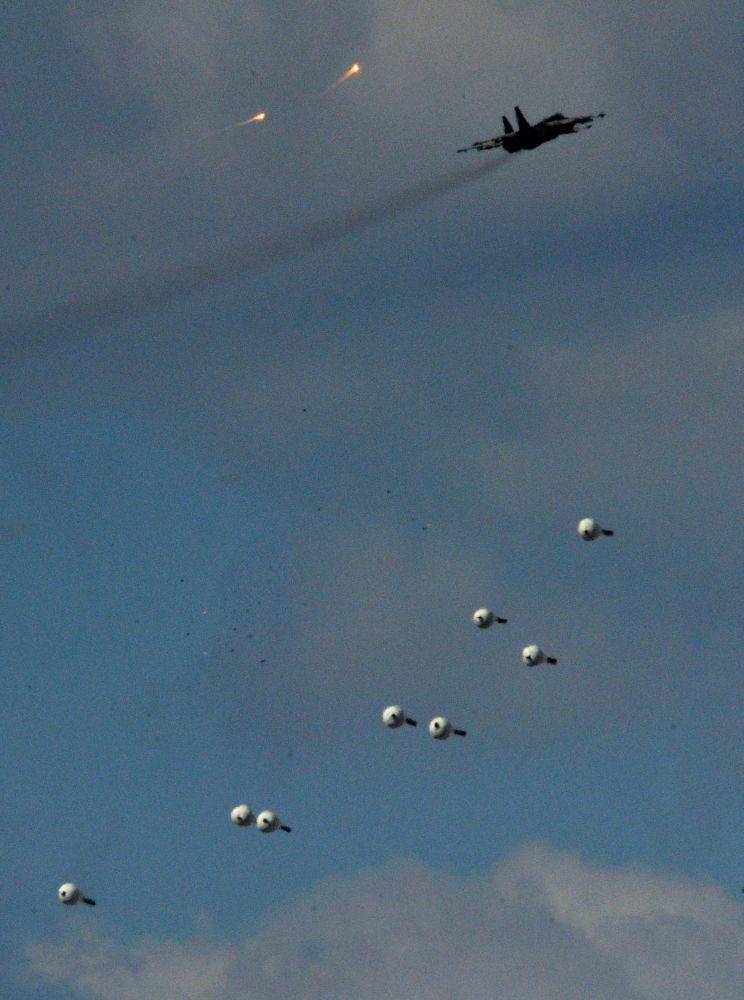 المقاتلات الحربية سو-25 خلال التدريبات التكتيكتية الخامسة المتنوعة للقوات المشتركة فى المنطقة العسكرية الشرقية
