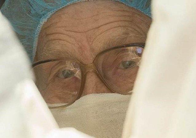 أكبر جراحة روسية فى العالم تجرى 100 عملية فى السنة