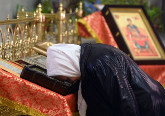 الاحتفال بعيد الفصح المجيد في روسيا