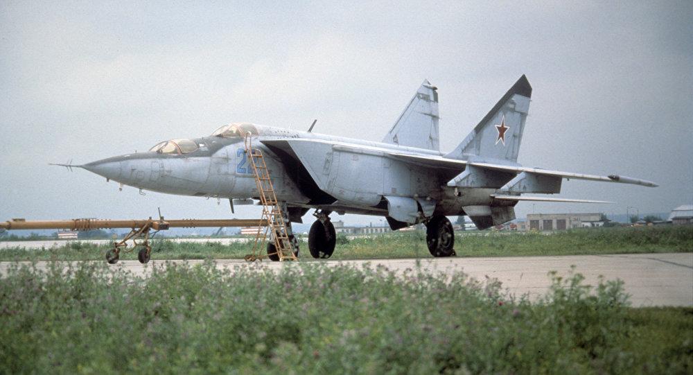 المقاتلة الاعتراضية ميغ-25