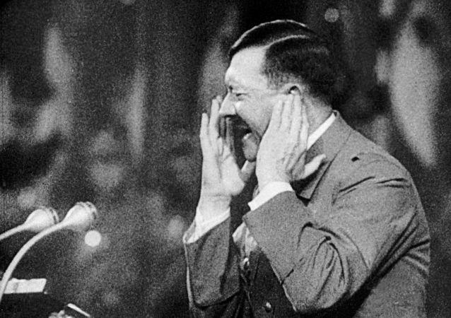 ادولف هتلر