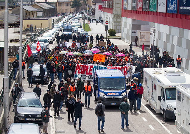 مظاهرات  عند الحدود بين إيطاليا والنمسا