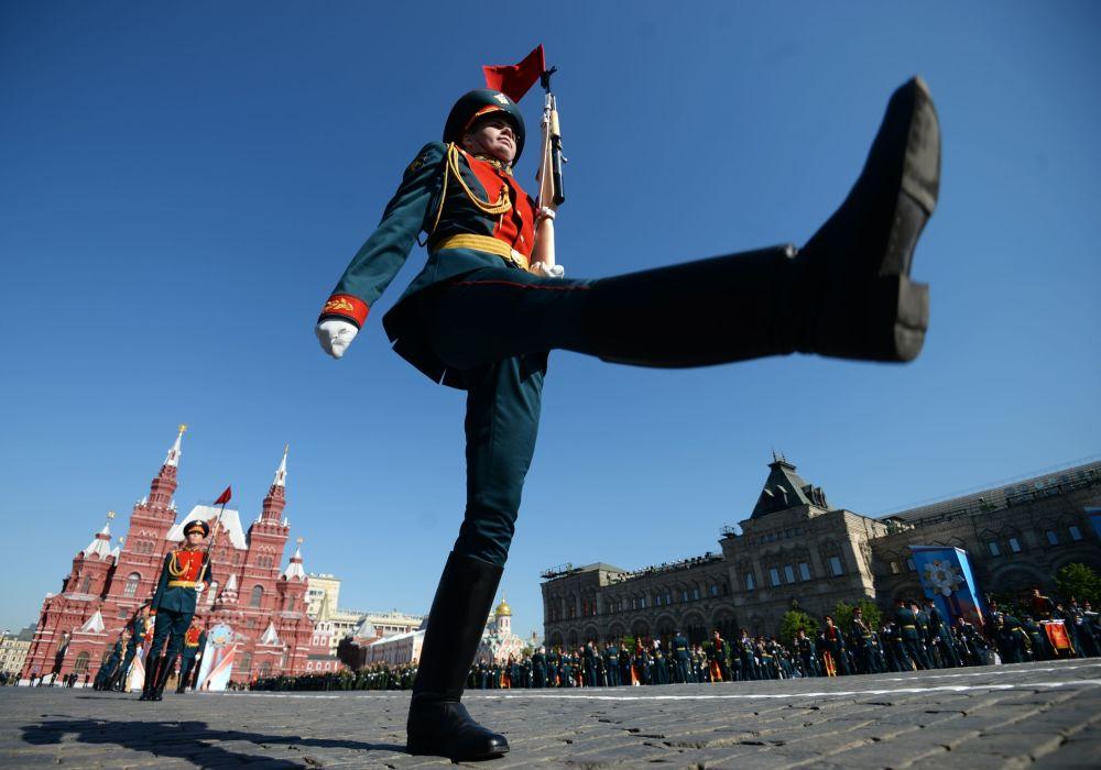 العرض العسكري بمناسبة الذكرى الـ 71 لعيد النصر في موسكو