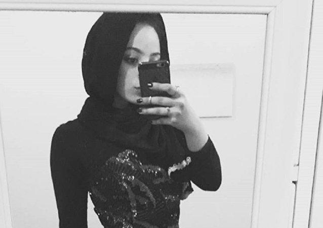 طالبة أمريكية مسلمة
