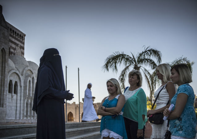 سياح روس فى شرم الشيخ