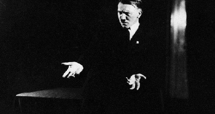 صور سرية لهتلر
