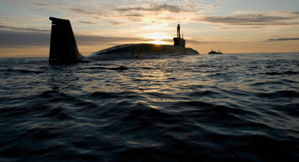 الغواصة النووية مشروع 955 بوريي يوري دولغوروكي خلال مهمة في صيف 2009.