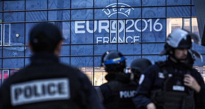 الشرطة الفرنسية ويورو - 2016