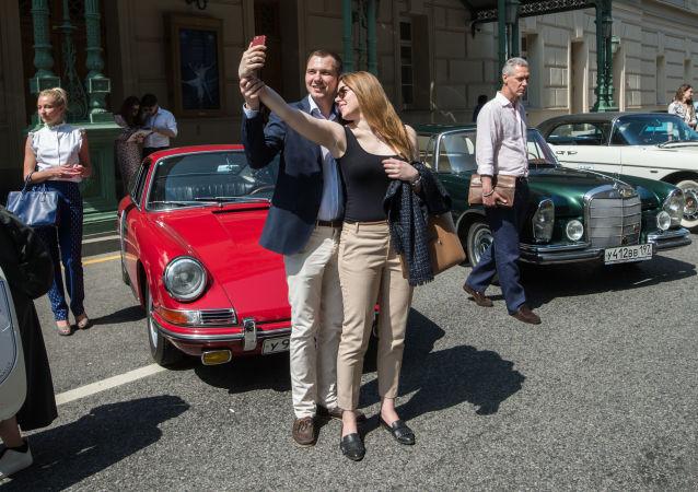 عرض السيارات الكلاسيكية في موسكو