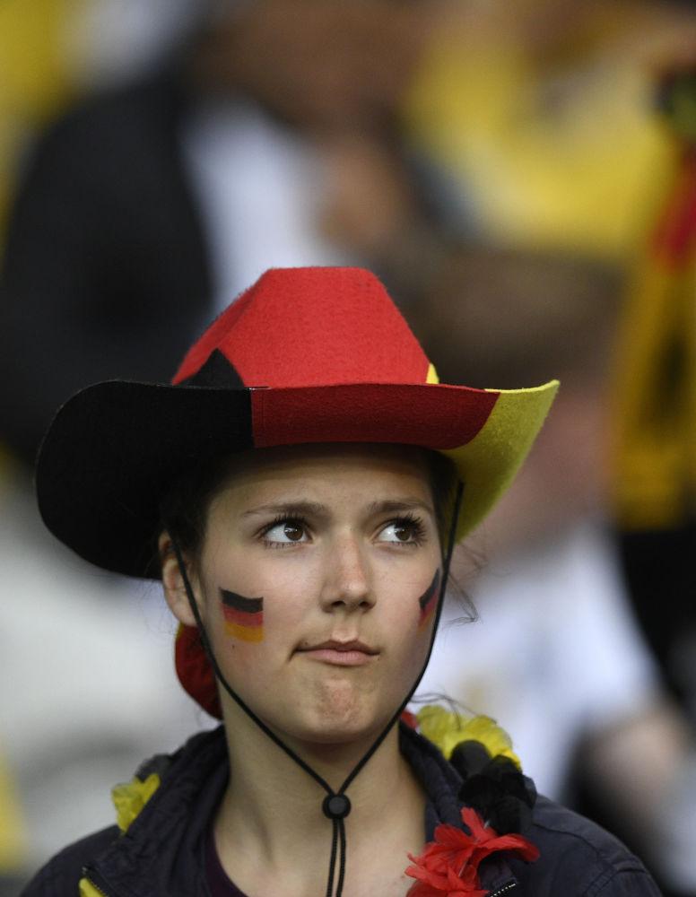 مشجعة من ألمانيا في بطولة يورو-2016 لكرة القدم في فرنسا