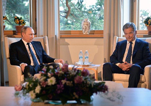 فلاديمير بوتين ورئيس فنلندا