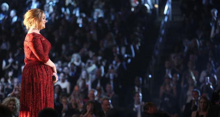 المغنية البريطانية أديل (Adele )