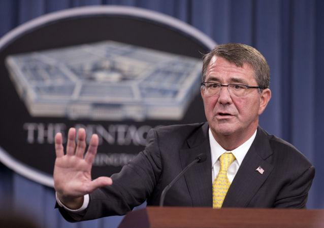 وزير الدفاع الأمريكي اشتون كارتر
