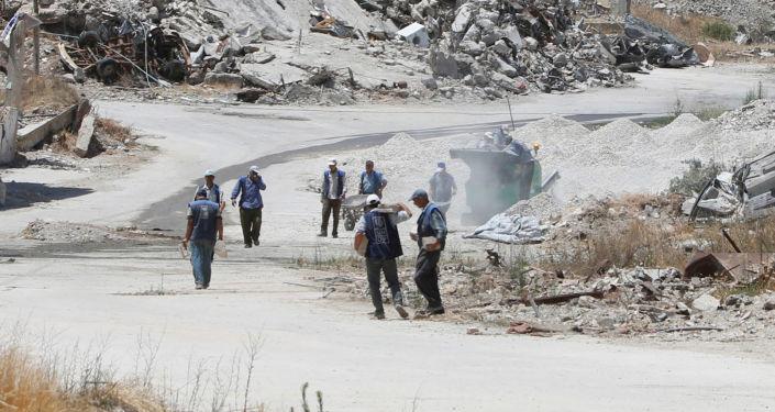 موظفو مؤسسة UNDP يقومون بجولة تفقدية في مدينة حمص، سوريا 19 يوليو/ تموز 2016