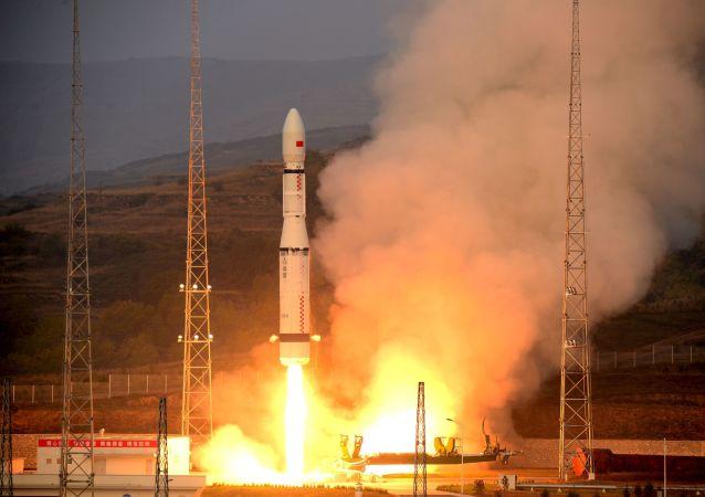 انطلاق صاروخ الحملة العظيمة 6 في الصين