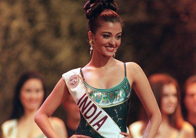 ملكة جمال العالم فى عام 1994 من الهند أشورايا راي