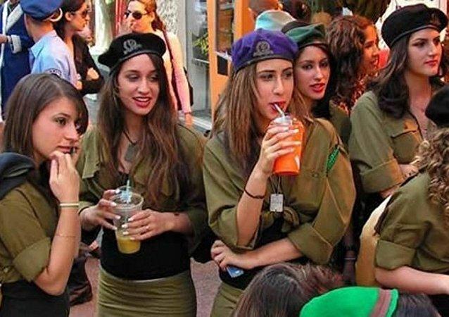 مجندات إسرائيليات
