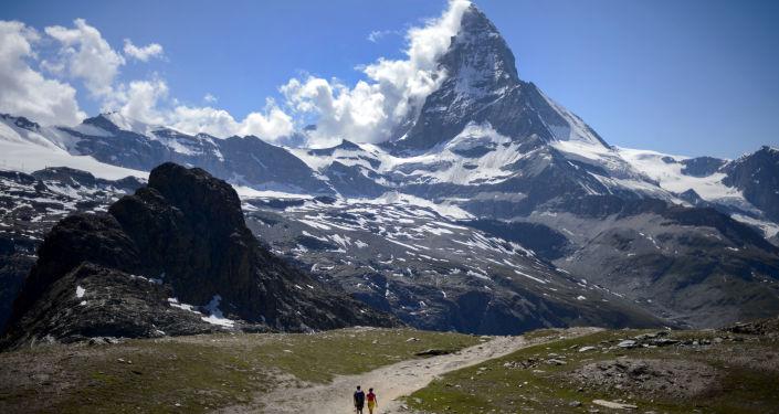 زيرمات، القرية سياحية صغيرة موجودة في جنوب سويسرا على الحدود مع إيطاليا