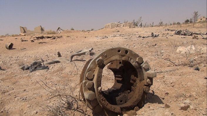 الجيش السوري يصيب بمدفعيته مواقع دقيقة للدواعش