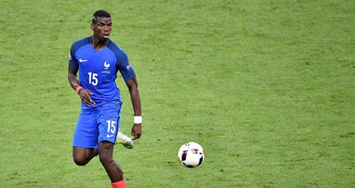 اللاعب الفرنسي بول بوغبا