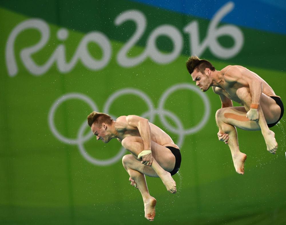 أولمبياد ريو 2016 - رياضيان أمريكيان خلال سباق القفز من 10 متر، أغسطس/ آب 2016