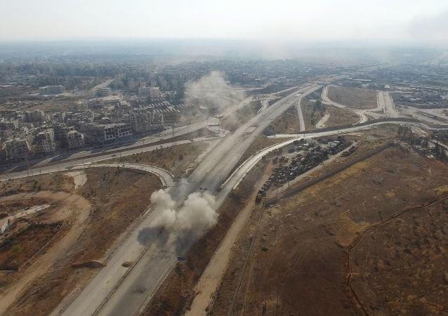 الضربات الجوية على مواقع الإرهابيين في حي راموسة في جنوب غرب مدينة حلب