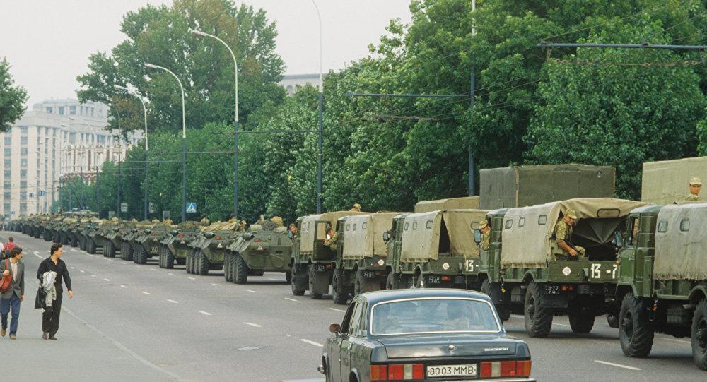 آليات عسكرية في موسكو في أغسطس 1991