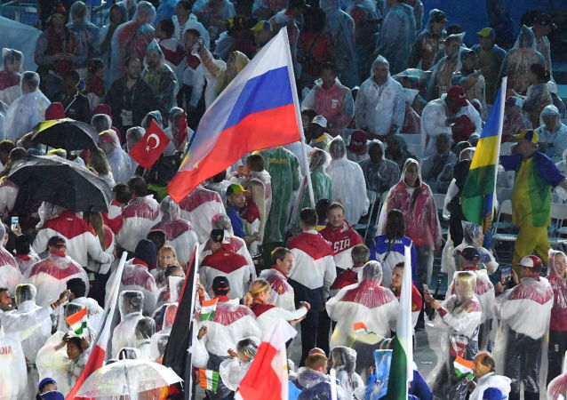 وداعاً ريو 2016 - ممثلو روسيا في استاد ماراكانا خلال مراسم انتهاء الألعاب الأولمبية الصيفية الـ 31 في ريو دي جانيرو، 21 أغسطس/ آب 2016