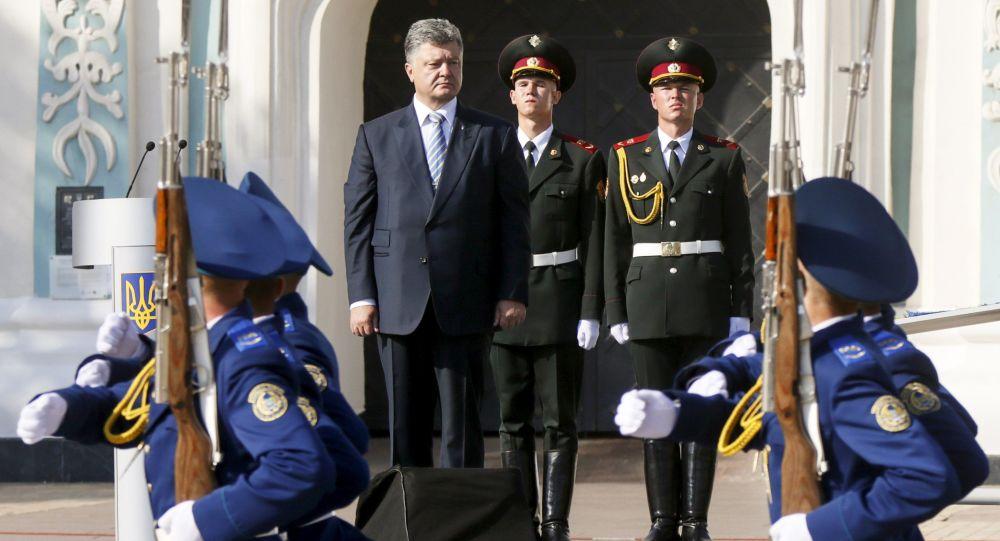 الرئيس الأوكراني يحضر احتفالا بذكرى الاستقلال